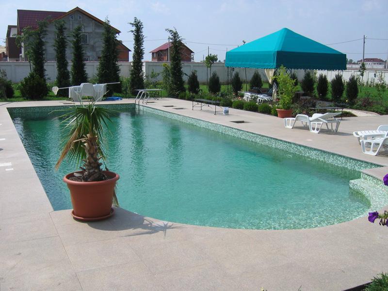 Piscine din beton cu cofraj din polistiren hobbit concept for Constructie piscine