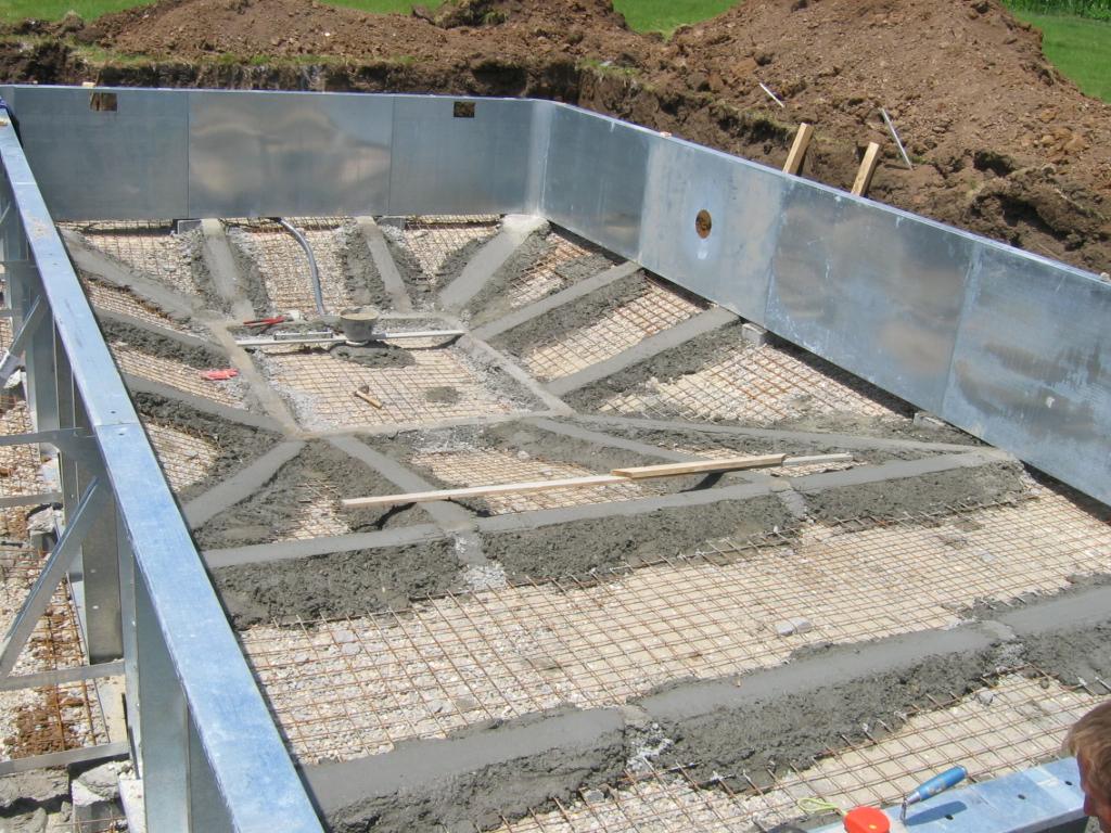 Piscine din otel galvanizat hobbit concept for Isolation phonique local technique piscine