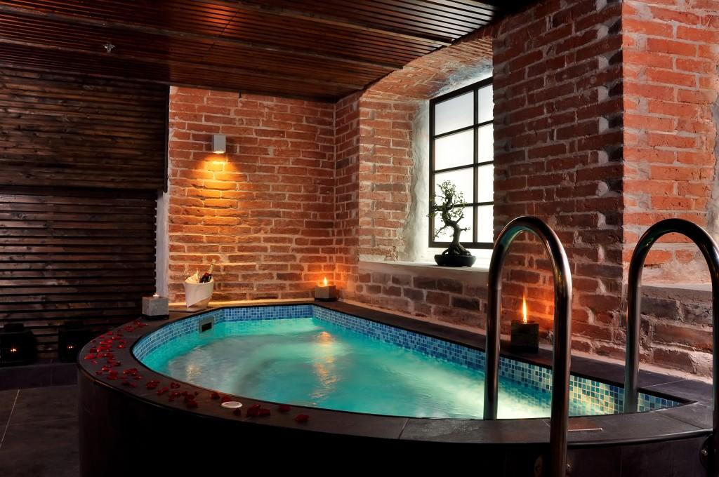 Substante pentru tratarea apei din piscine si spa