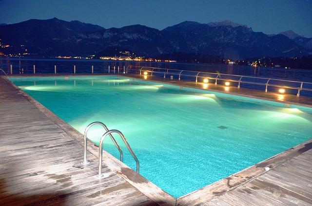 Echipamente pentru iluminarea piscinelor